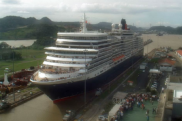 Pictures Showing The MS Queen Elizabeth Cruise Ship On Her